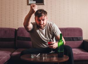 Алкоголь не лечит от неприятных воспоминаний, а укореняет их в памяти