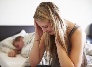 9 признаков, что она несчастлива в постели
