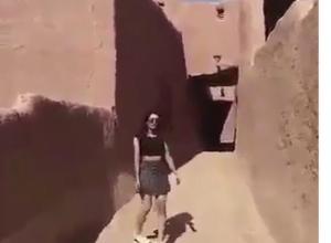 Саудовская Аравия: девушку накажут за прогулки в мини-юбке