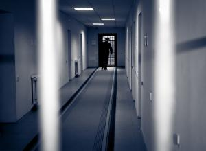 Беженцев поселят в тюрьмах Нидерландов