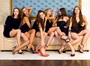 Что общего между проститутками и «8 марта»