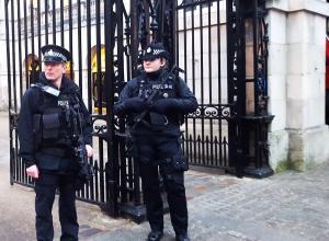 Теракты в Лондоне: на нападавших были муляжи поясов смертников