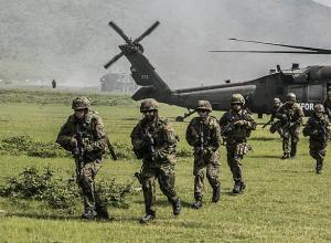 Солдат армии ФРГ уволен в связи с антисемитскими и антиамериканскими взглядами