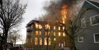 Мощный взрыв на западе Великобритании, более 30 пострадавших