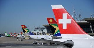 Самолет швейцарской компании совершил посадку на одном двигателе. ВИДЕО