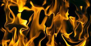 В связи с пожаром на фестивале в Испании эвакуировали 22 тысячи человек