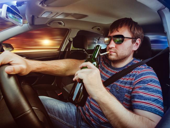 Ученые призывают запретить курение в автомобилях