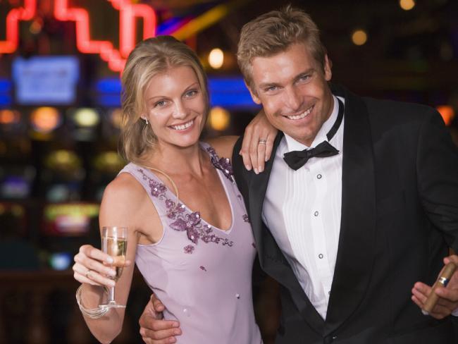Ученые: женская тяга к алкоголю в браке только крепчает