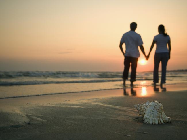 Мужчины рассказали, как скоро девушке стоит заниматься с**сом после знакомства