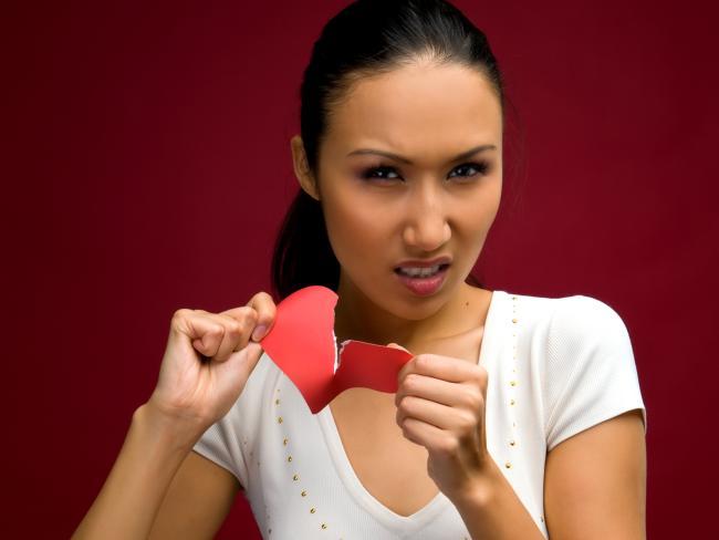 Что может разрушить отношения: 5 вредных привычек