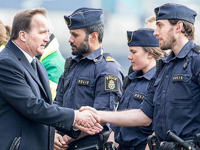 Премьер-министр Швеции Стефан Лёвен принял участие в поминальной церемонии