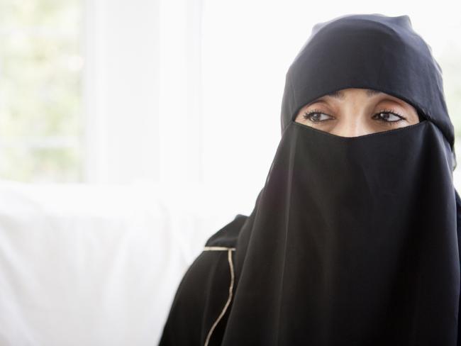 Скандал в Норвегии: пресс-секретарь «Исламского совета», ратующего за диалог, носит никаб